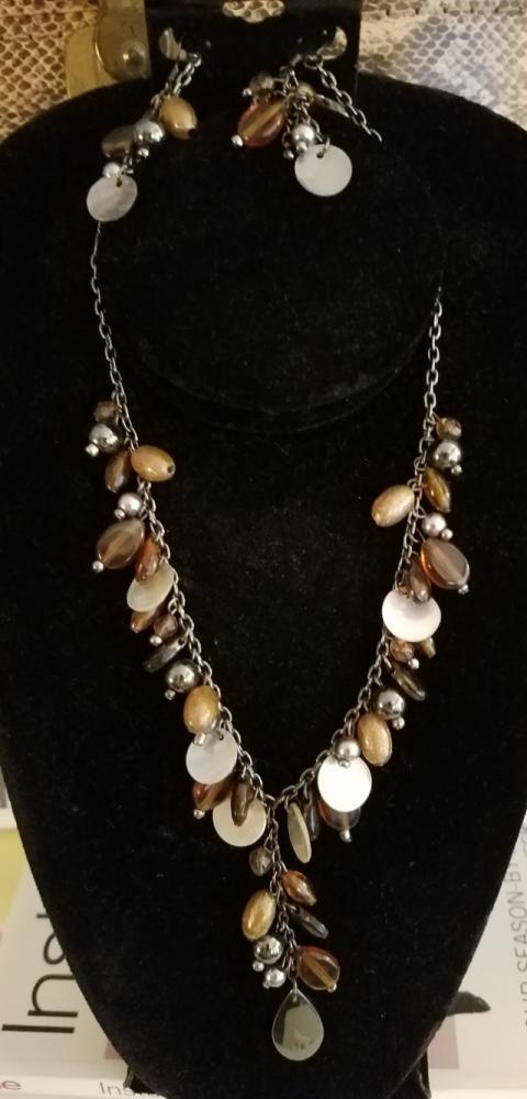 Amber Gold Grey Necklace Set